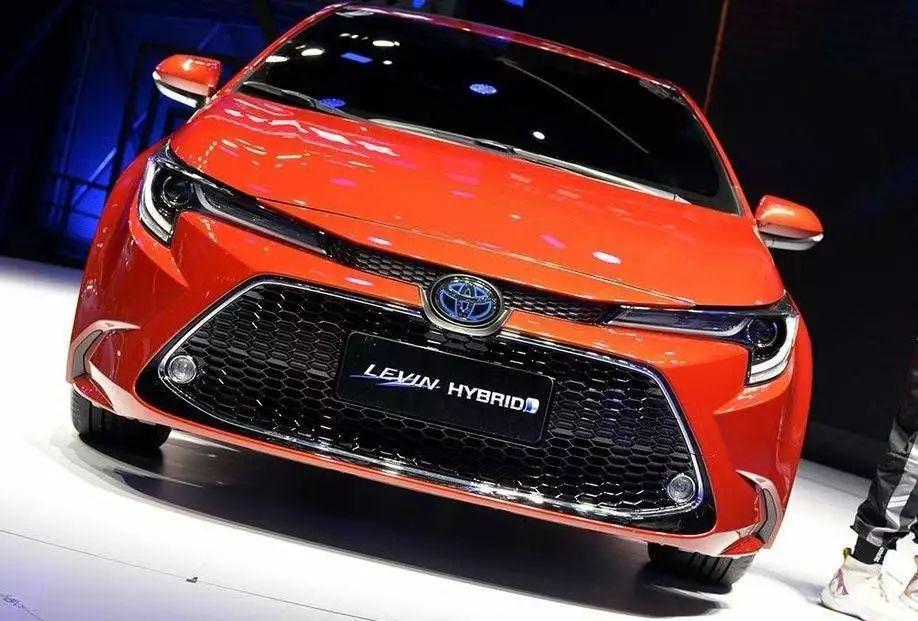 易车号 > 正文   全新雷凌新增的科技版车型采用了一款竖向放置的12.